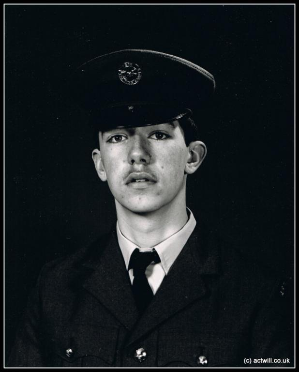 Image from 1986 - showing early work in the William David style. This was a new recruit to the RAF